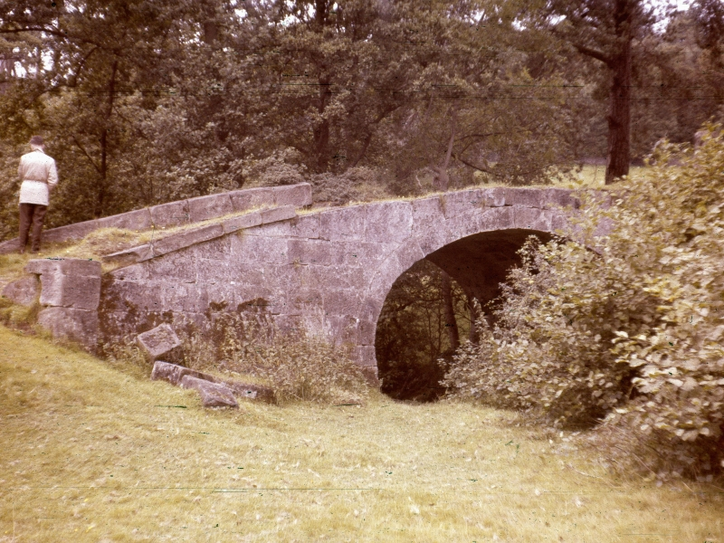 The bridge in 1963. Photo JG Parkinson, by permission of Online Transport Archive