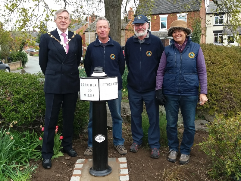 Photocall in Uttoxeter after installation of Milepost 30